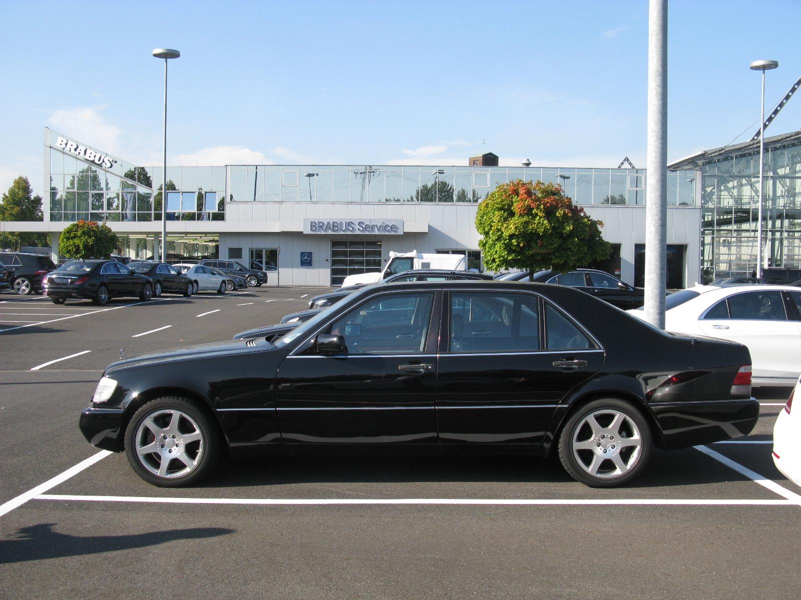 File:Mercedes-Benz S Class Brabus W140 (10144644336).jpg - Wikimedia ...