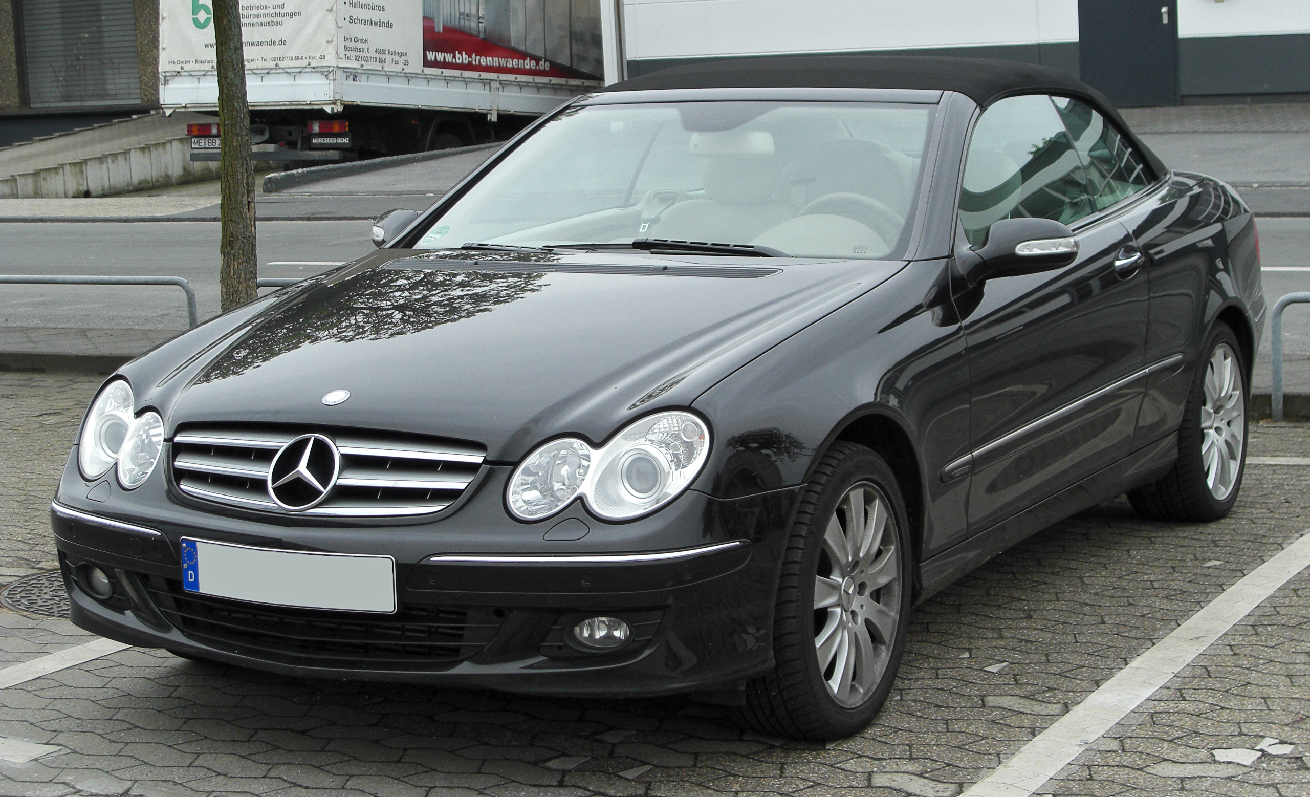 file mercedes clk 320 cdi elegance a209 facelift front. Black Bedroom Furniture Sets. Home Design Ideas
