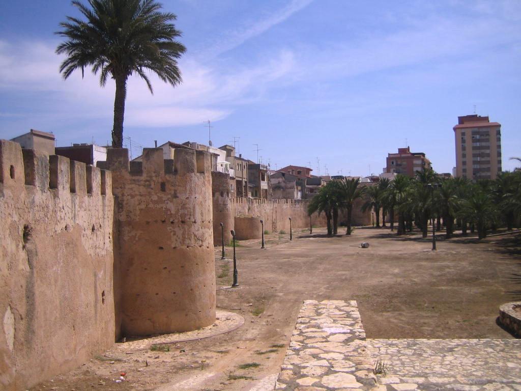Archivo:MuralladeAlzira001.JPG - Wikipedia, la enciclopedia libre