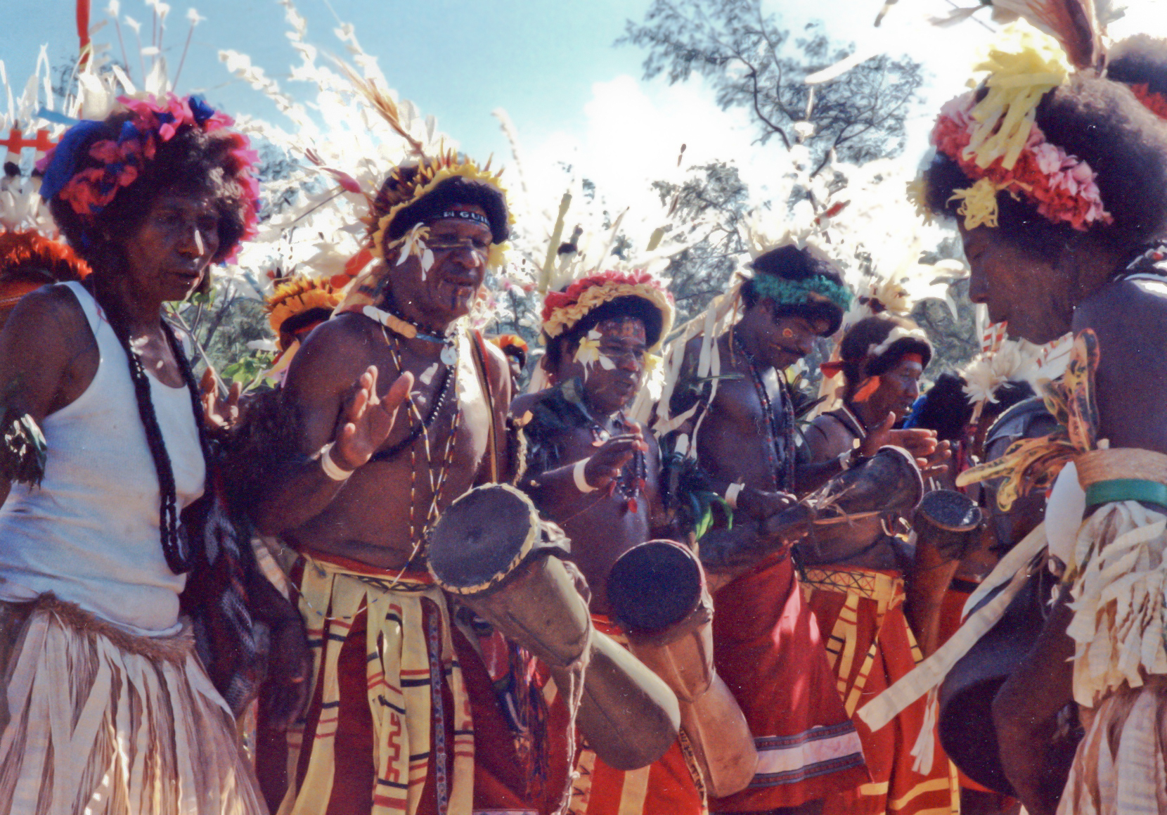 ファイル musicians of papua new guinea jpg wikipedia