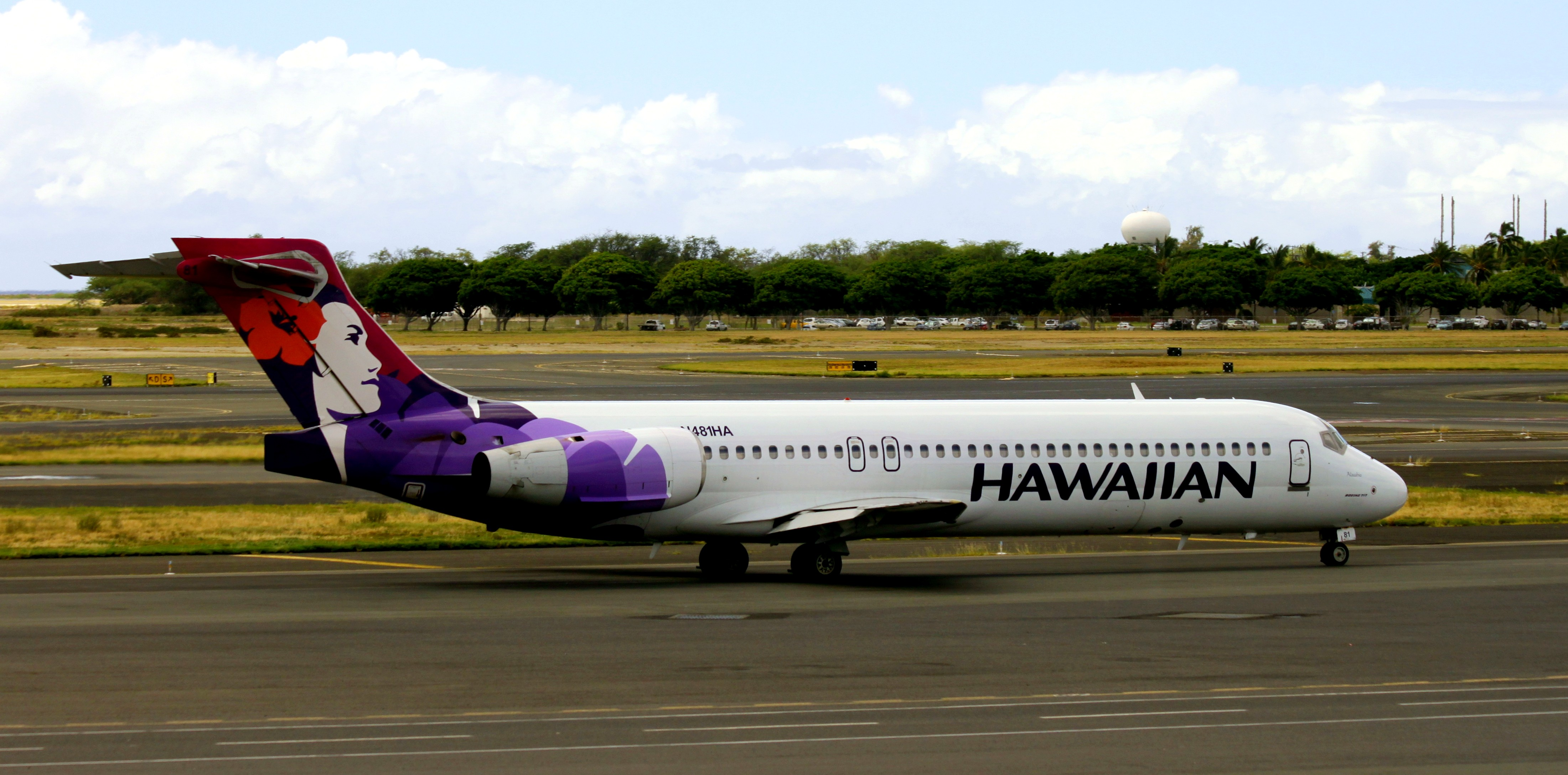 File:N481HA Boeing 717-22A Hawaiian Airlines (15622166268).jpg