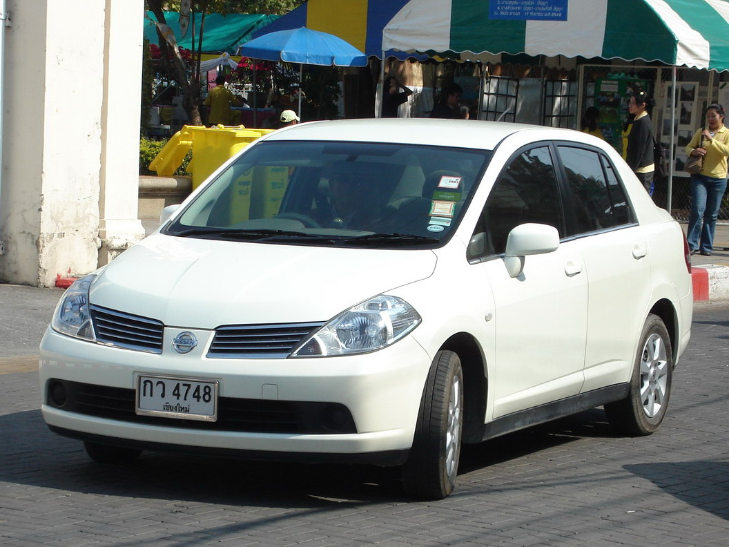 http://upload.wikimedia.org/wikipedia/commons/6/65/Nissan_Tiida_TH.jpg