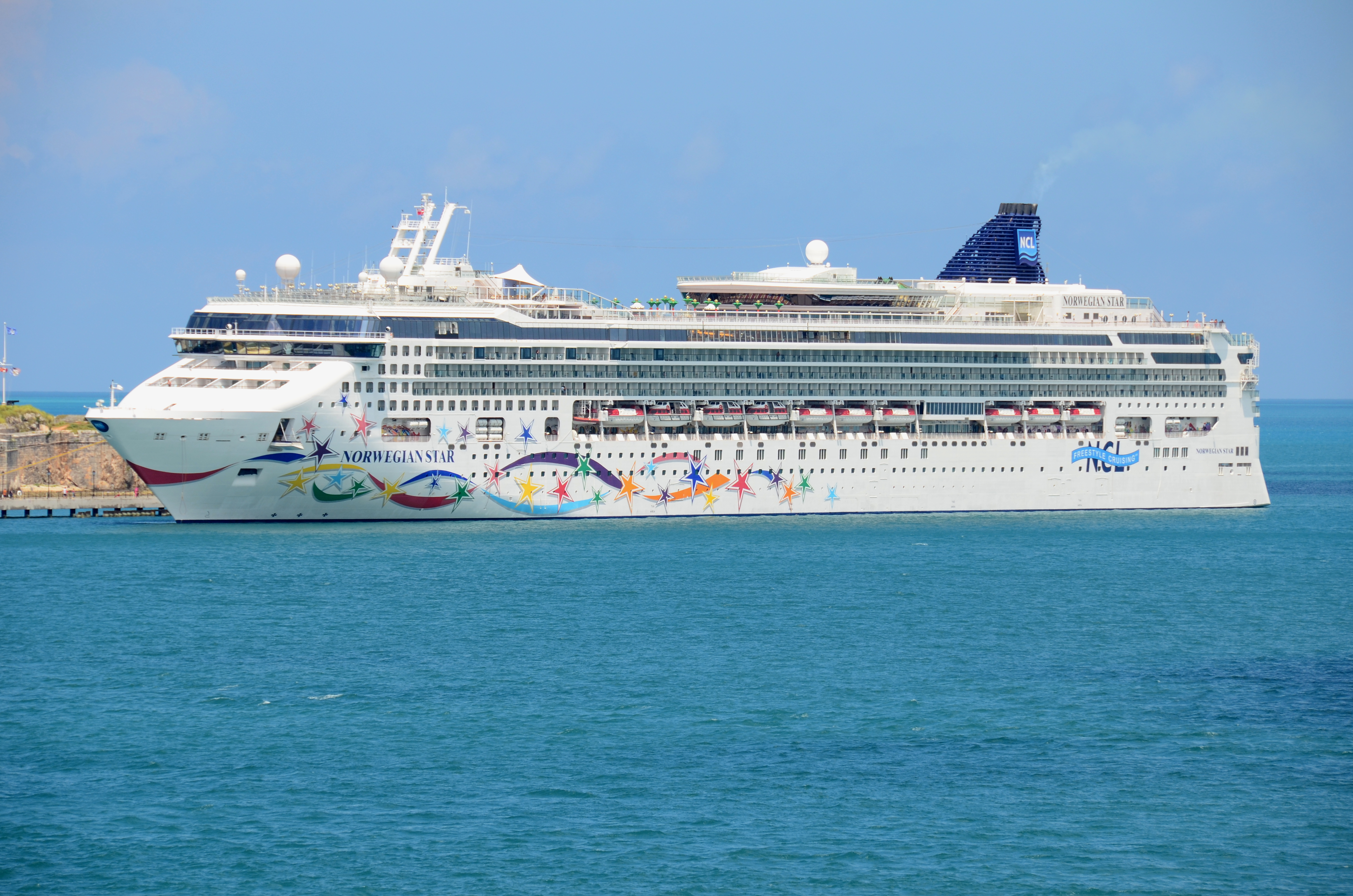 File Norwegian Star In Bermuda August 2012 Jpg