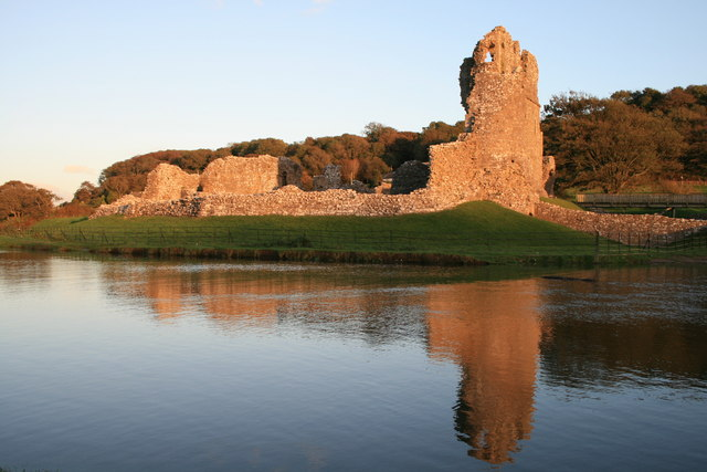 Ogmore Castle - geograph.org.uk - 566389