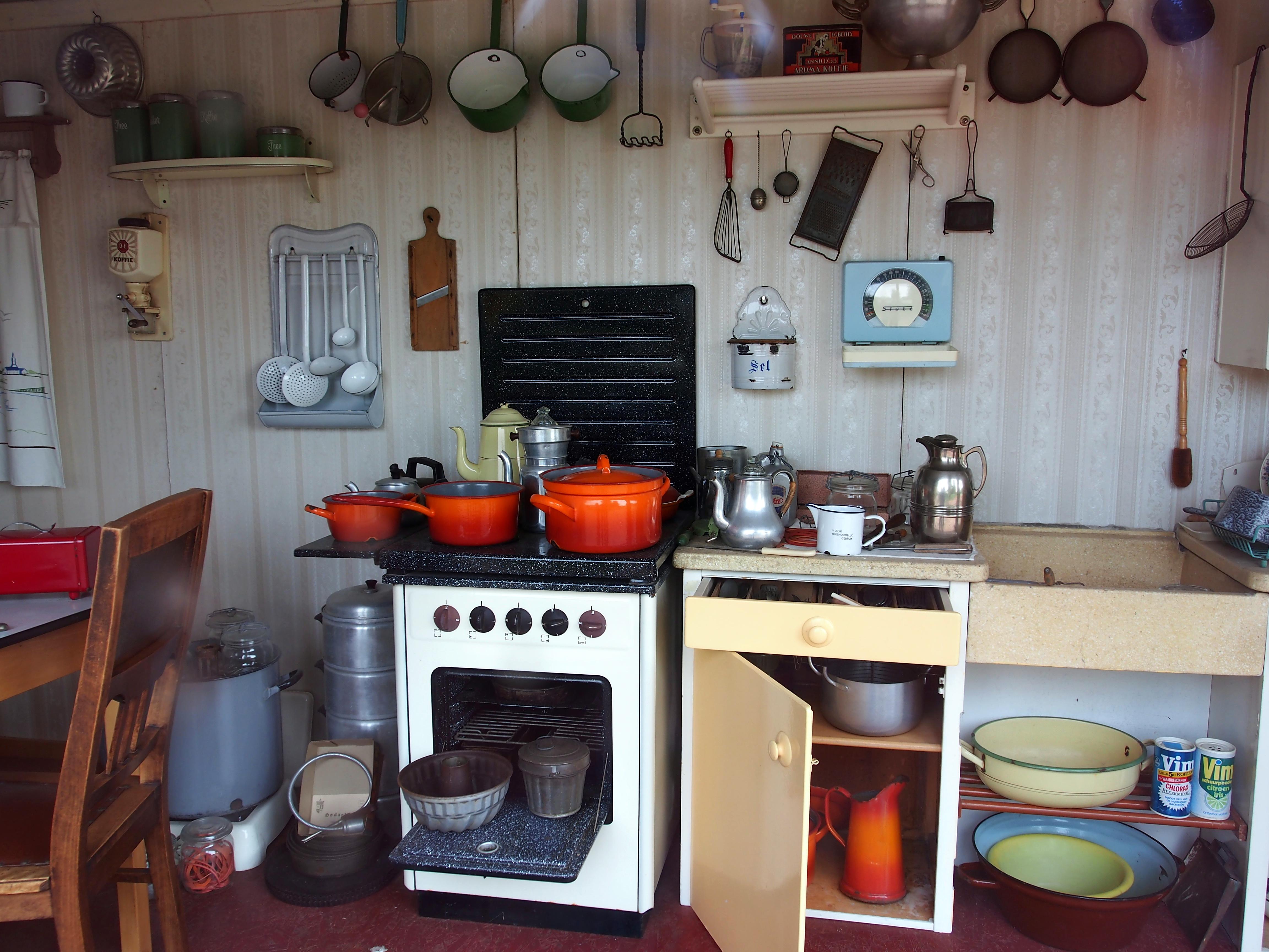 File:Oude (+-1950) hollandse keuken.JPG - Wikimedia Commons
