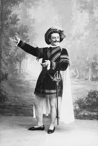 File:Pázmán Ferenc színész Shakespeare-darabban.jpg