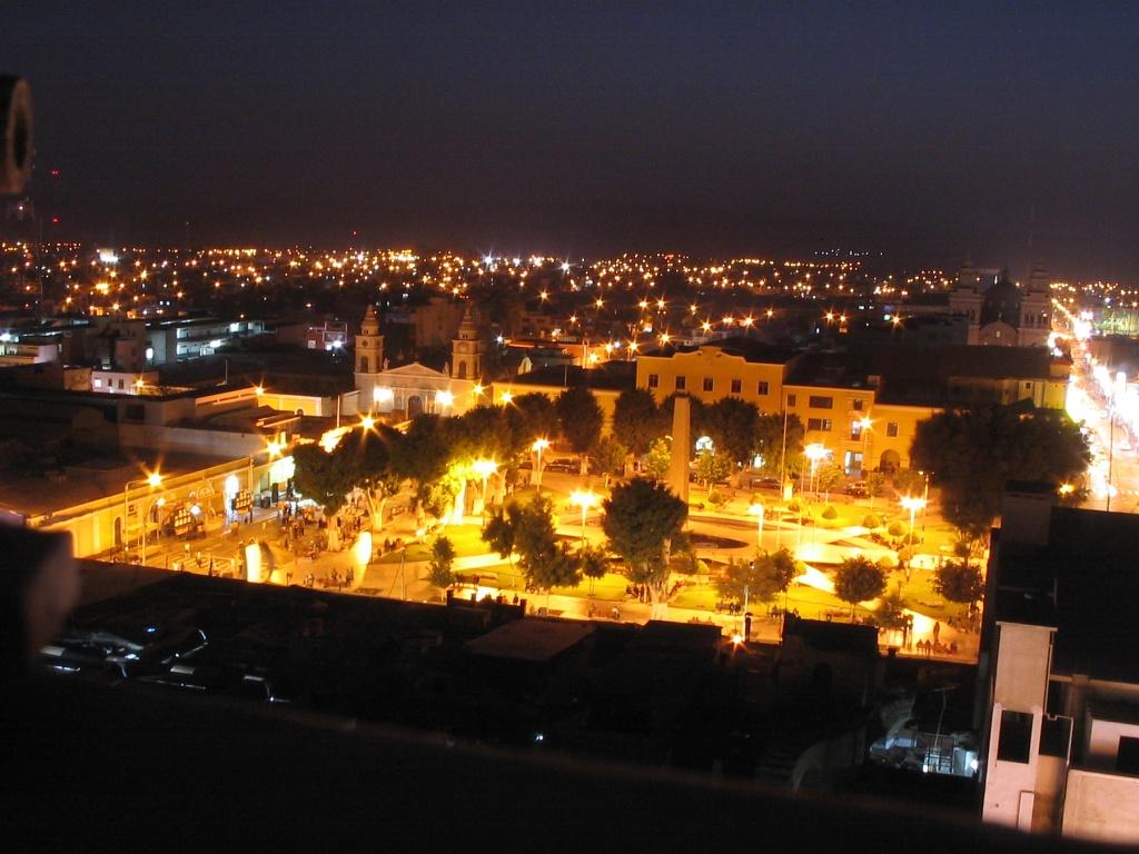 Archivo:Plaza armas ica noche.jpg - Wikipedia