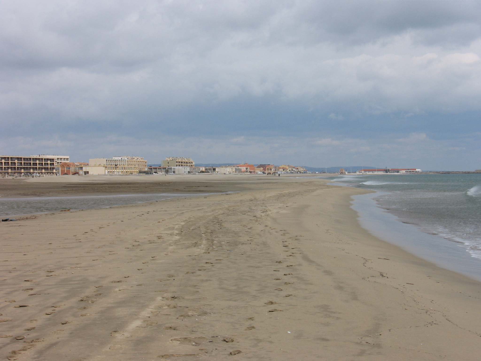 Port la nouvelle plage arts et voyages - Camping de port la nouvelle ...