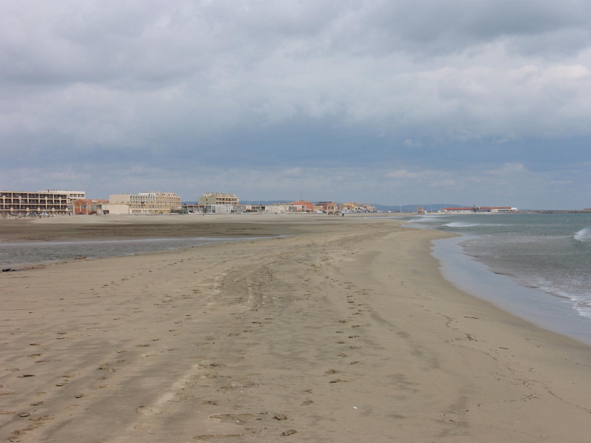 port la nouvelle plage