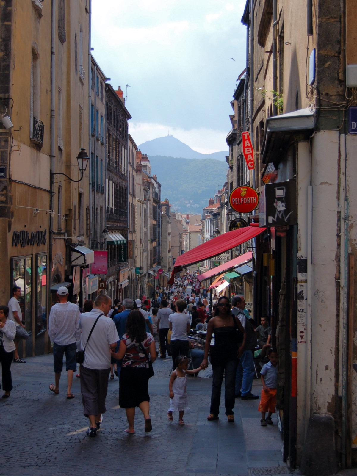 File rue des gras wikimedia commons - Piscine noire photo clermont ferrand ...