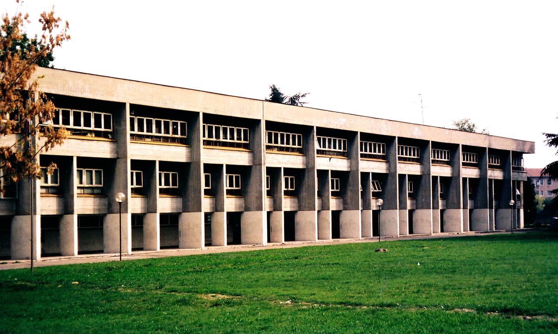 San Giuliano Milanese Italy  city photo : School in San Giuliano Milanese, Italy.