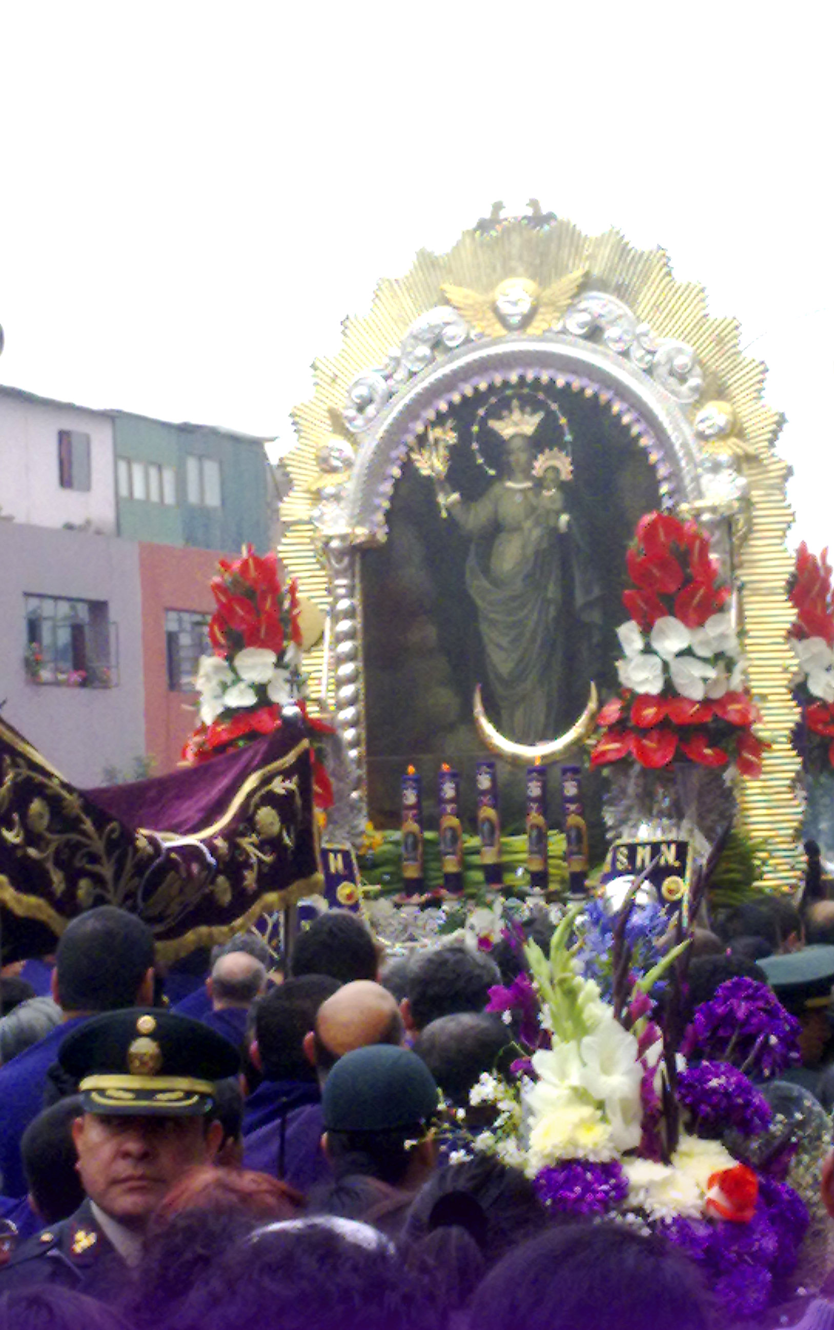 http://upload.wikimedia.org/wikipedia/commons/6/65/Se%C3%B1or_de_los_Milagros_(Virgen_de_la_Nube).jpg