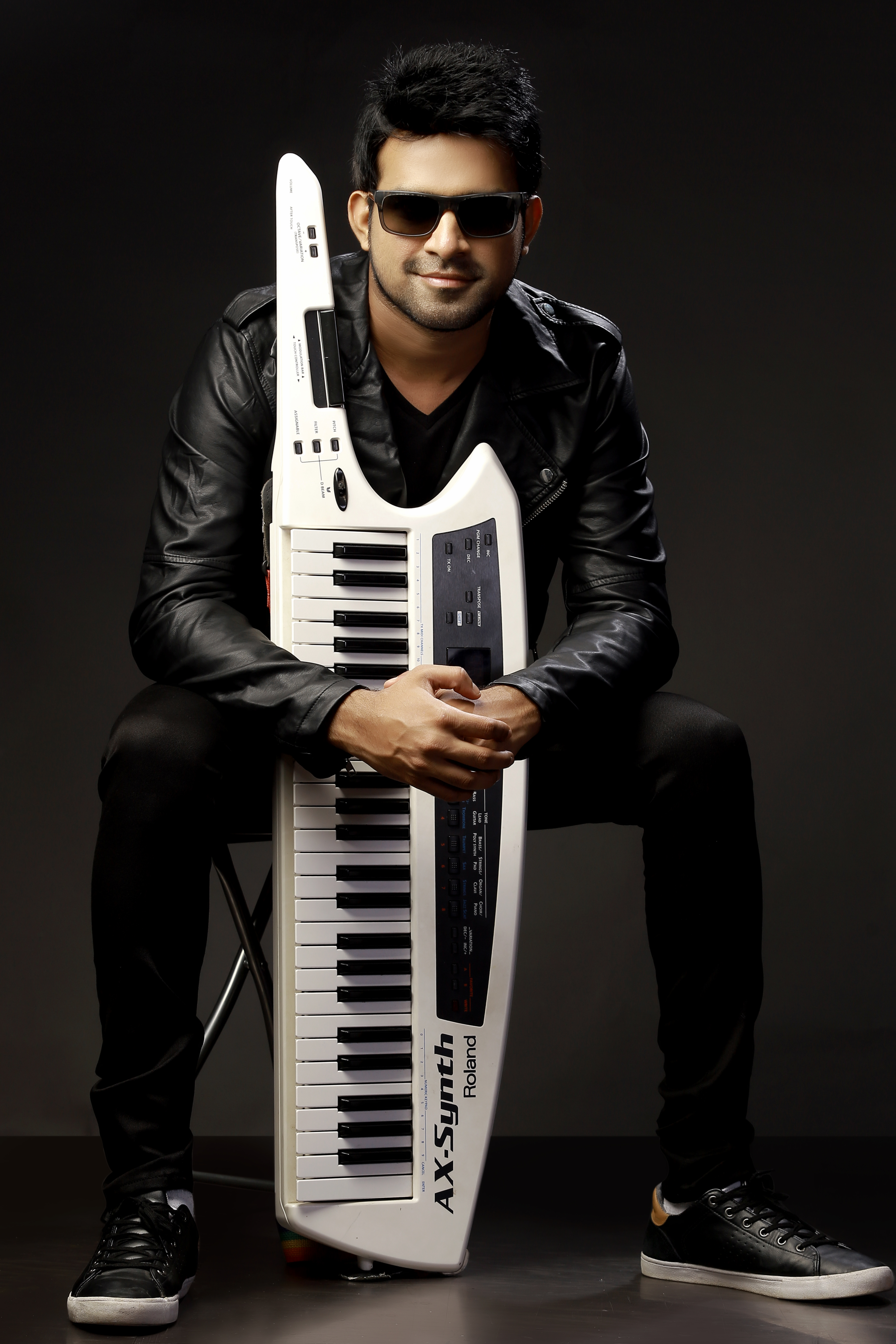 Picture of a band or musician: Stephen Devassy