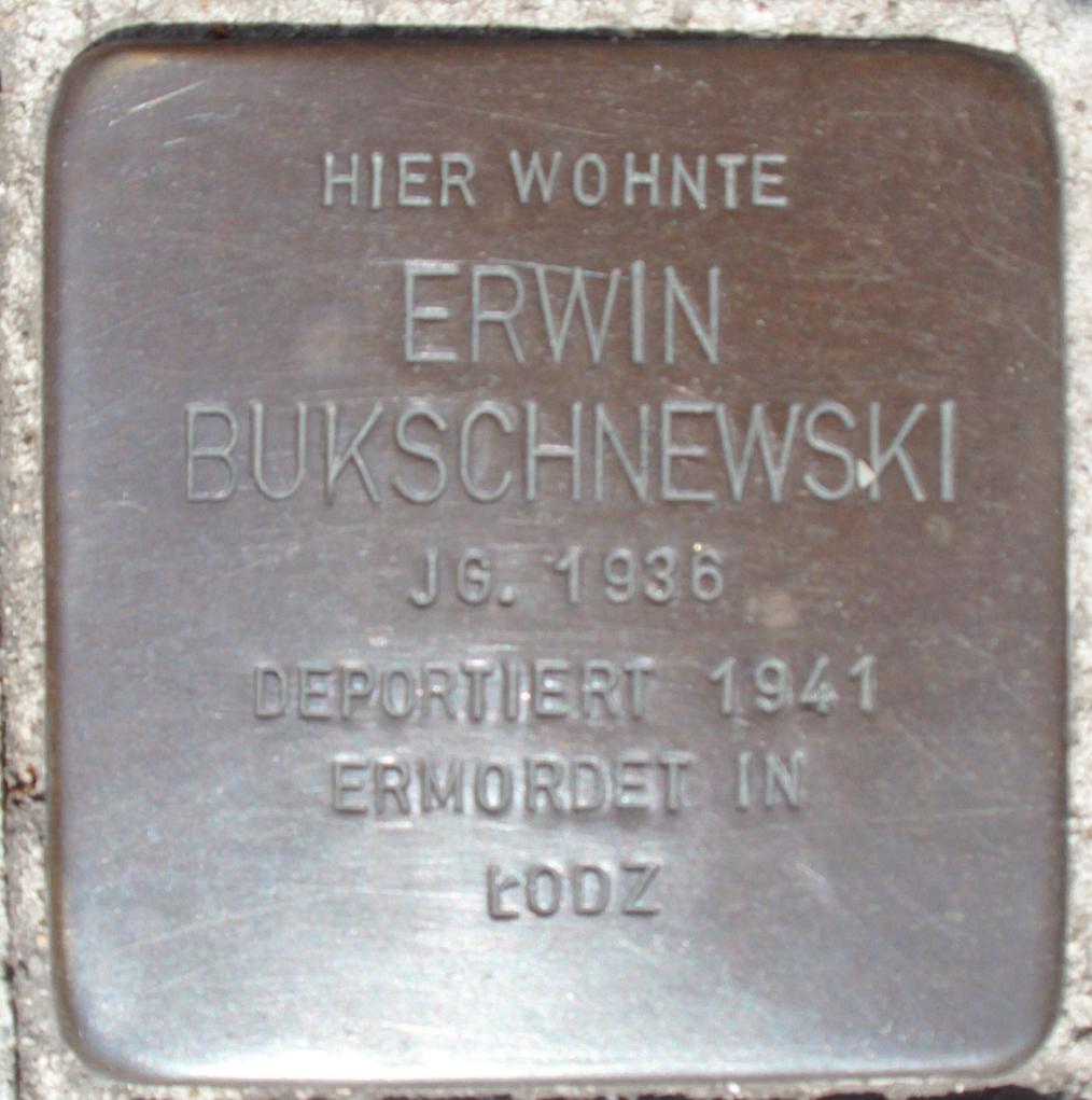 Stolperstein Domstraße 21 (Erwin Bukschnewski) in Hamburg-Altstadt.JPG