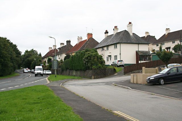File:Suburban Housing on Plymouth Road, Buckfastleigh - geograph.org.uk - 942756.jpg