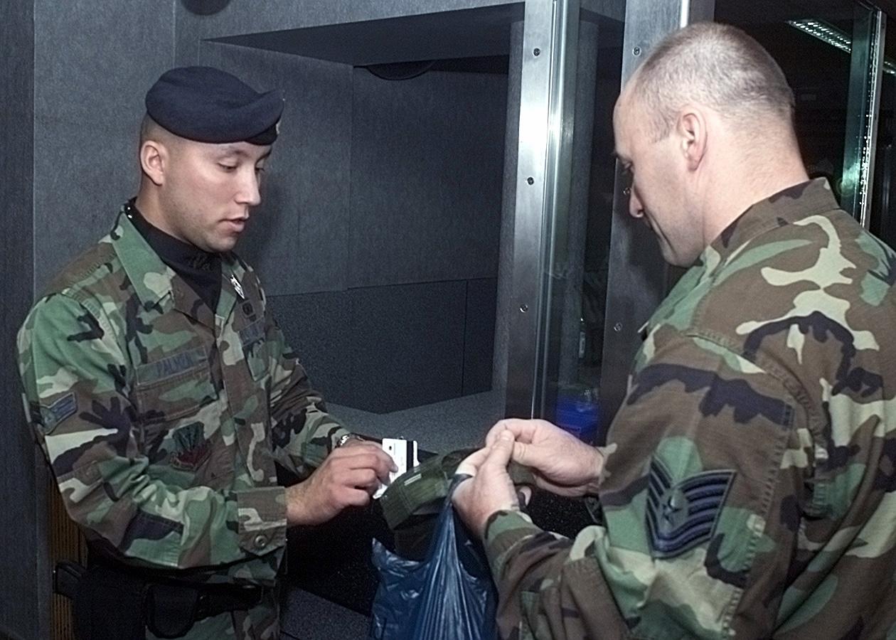 File:Technical Sergeant (TSGT) David Glode Stratcom, USAF ...