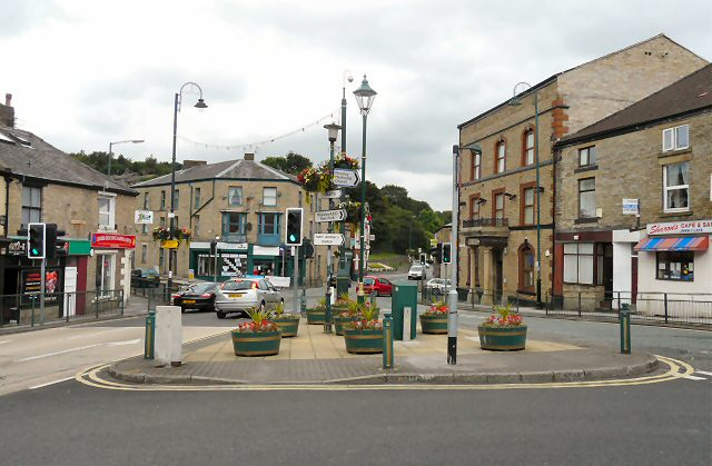 File:Top Mossley - geograph.org.uk - 1439979.jpg - Wikimedia Commons Road Direction Signs