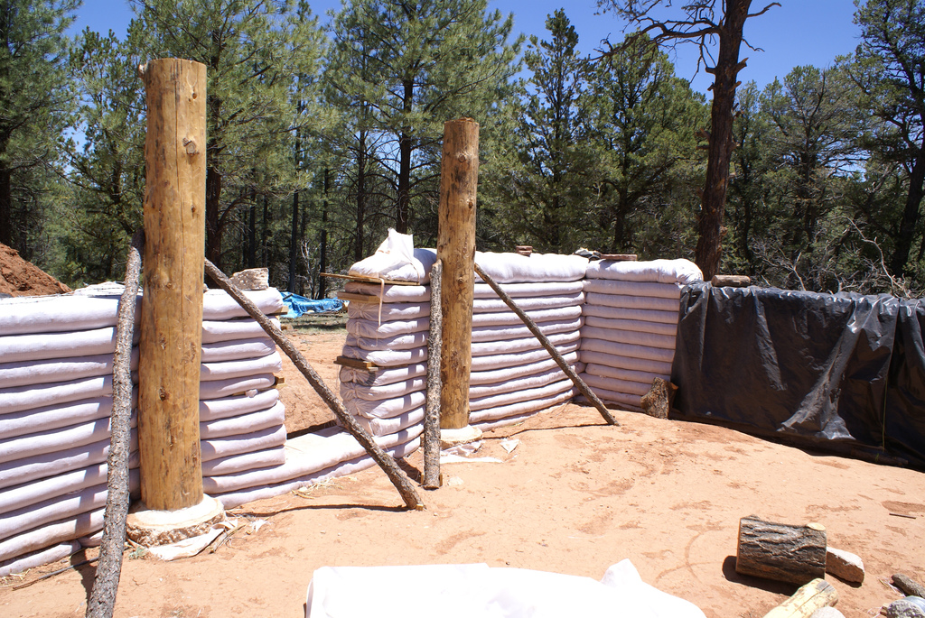Construccion de superadobe for Adobe house construction cost