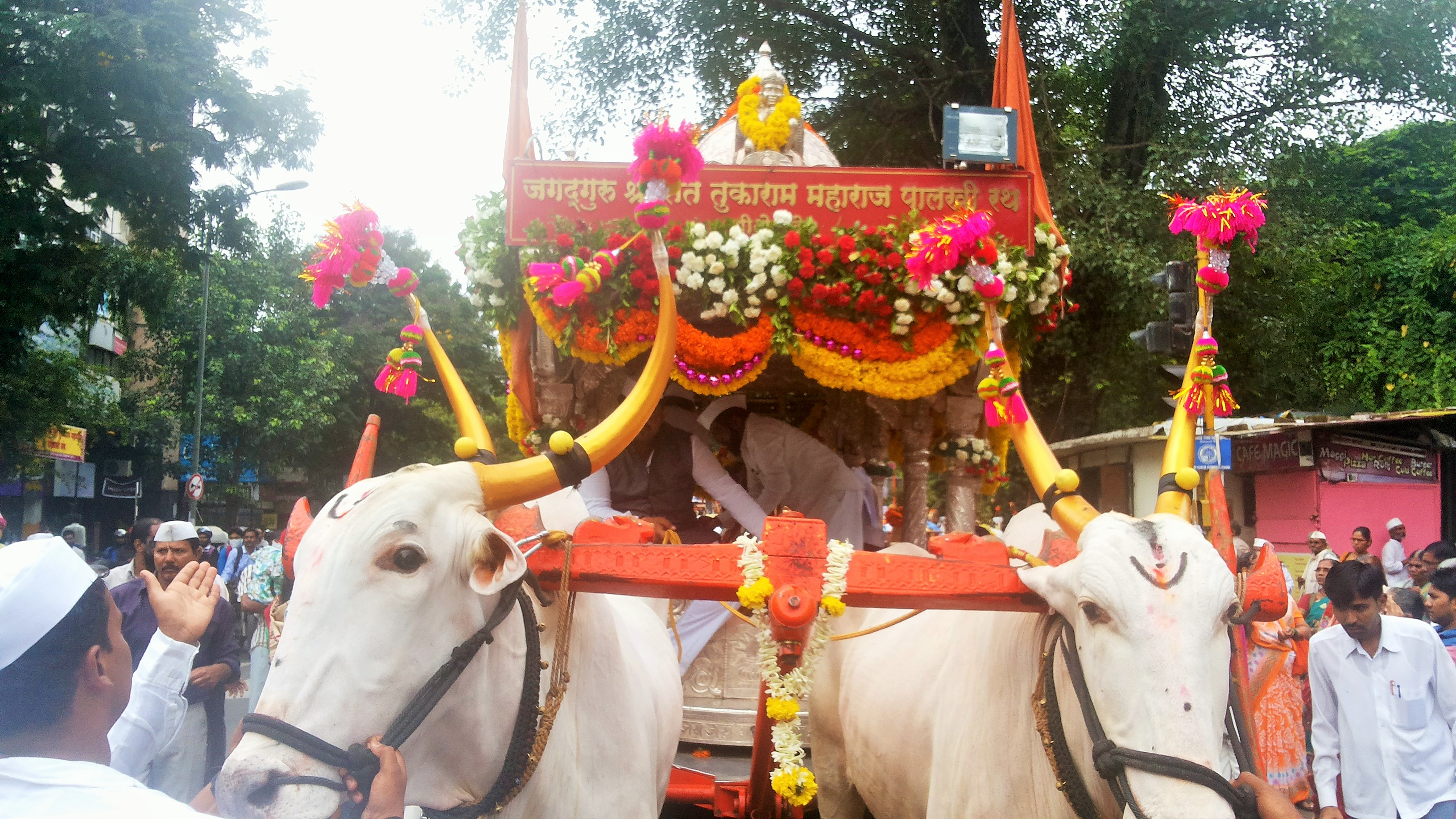 Warkari Shri Sant Tukaram Maharaj Palki Wallpapers for free download