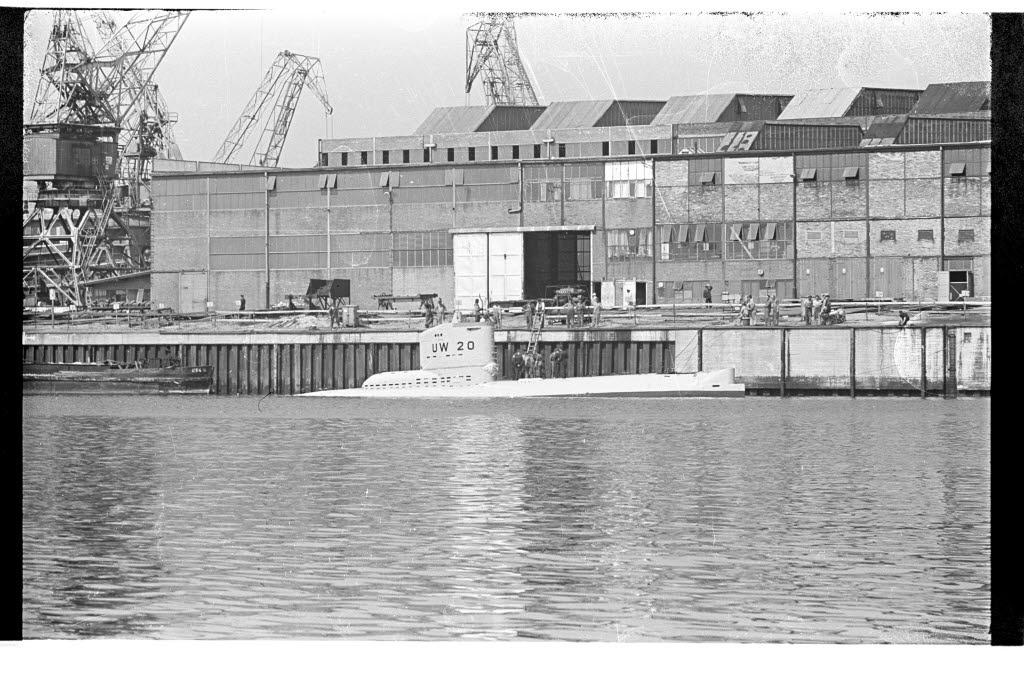File:U-Boot UW 20 (Kiel 13 448) jpg - Wikimedia Commons