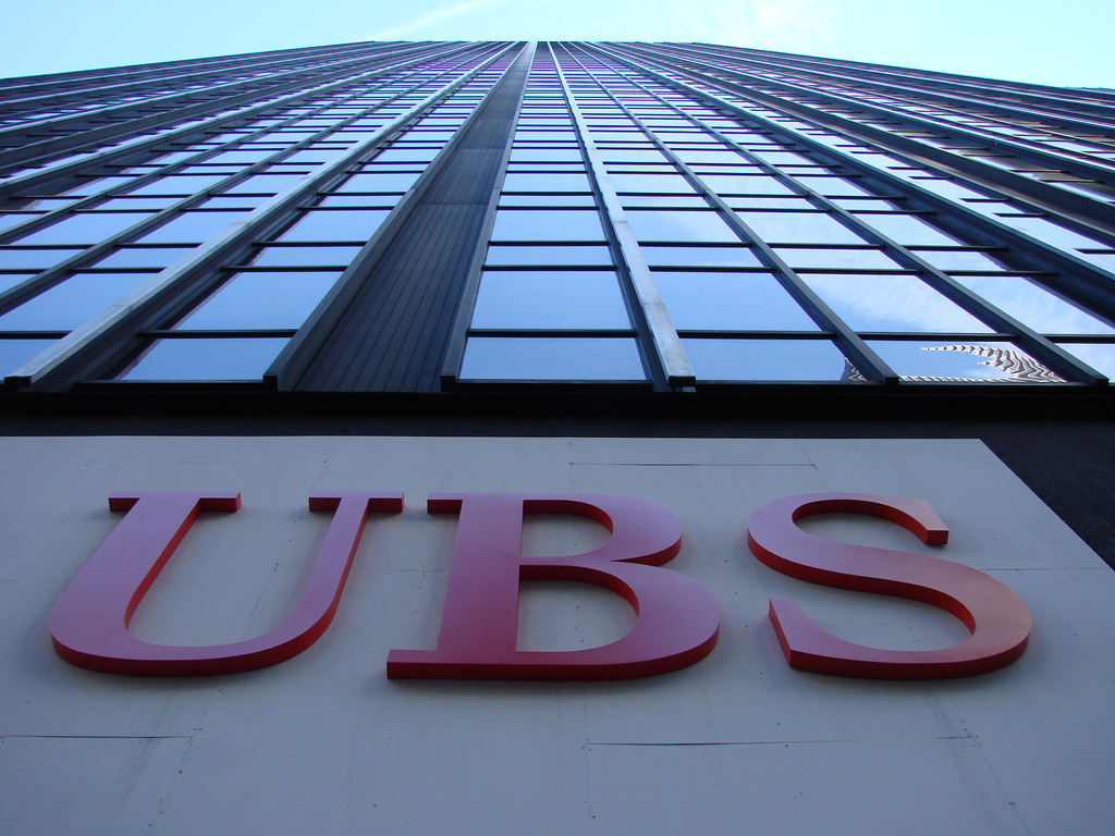 File:UBS Offices (299 Park Avenue) with logo png - Wikimedia