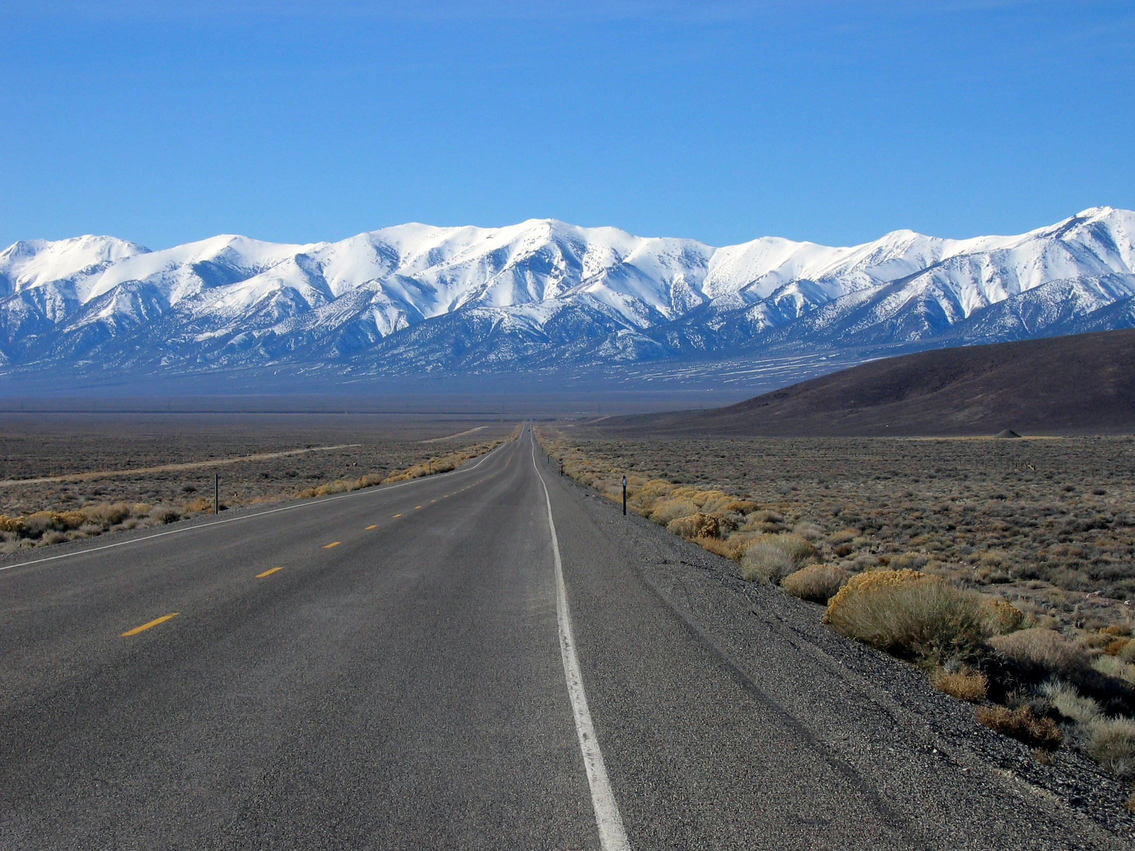 File:US Highway 50 westbound, West of Eureka, NV.jpg - Wikipedia