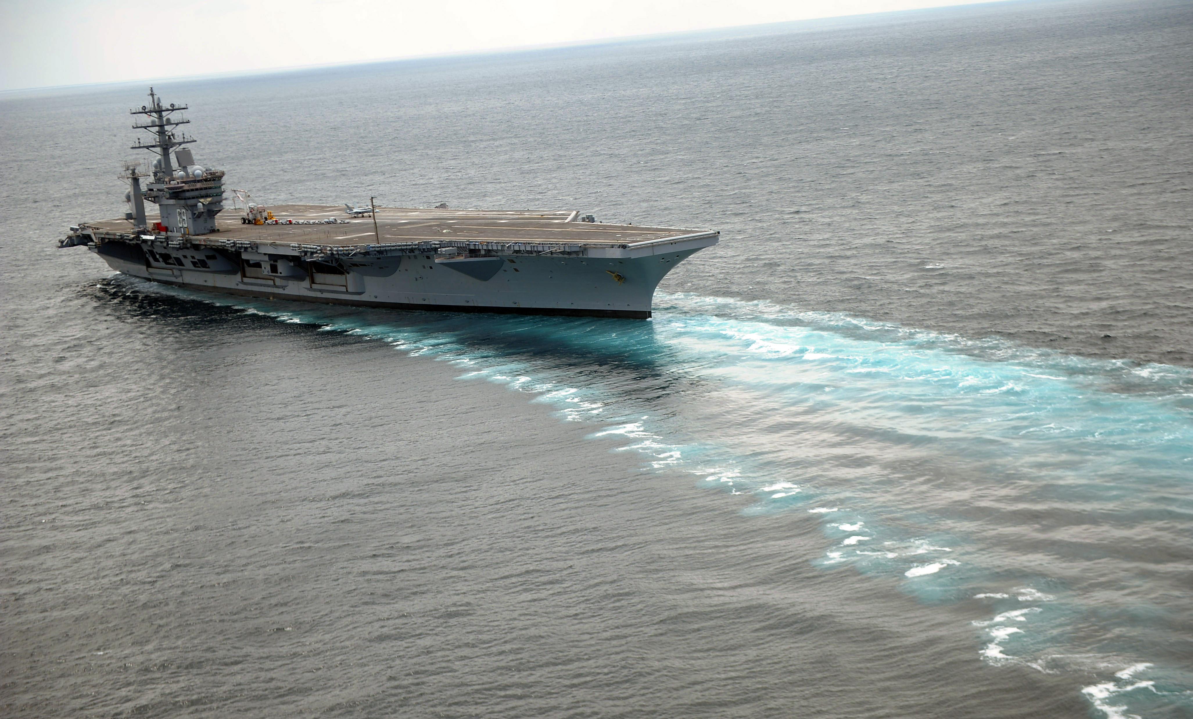 D Eisenhower Cvn 69 Conducts Rudder Turns During Sea