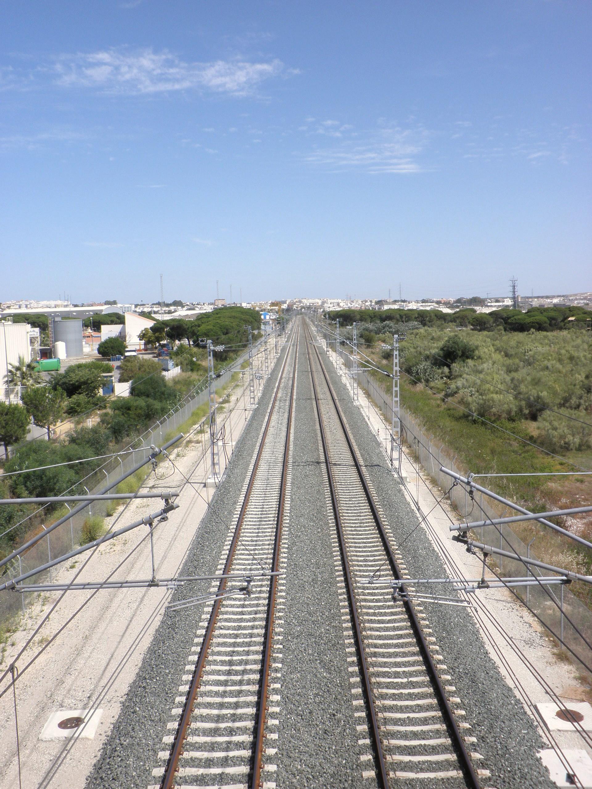 File v as de tren entre los toru os el puerto de santa mar a c diz espa a 2 jpg wikipedia - Tren el puerto de santa maria madrid ...