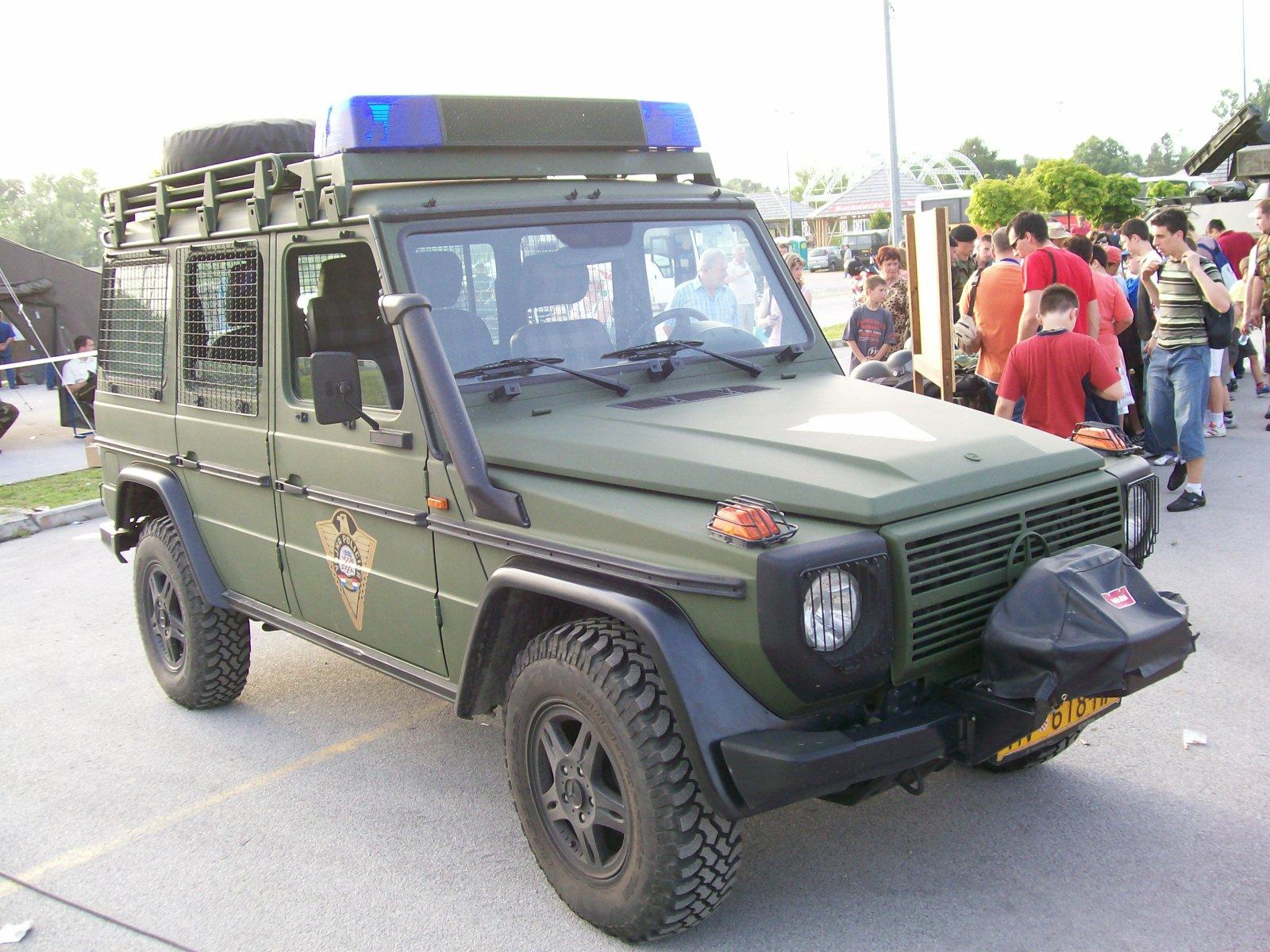 File Vozilo Vojne Policije Puch Jpg Wikimedia Commons