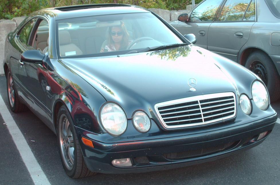 File:'98-'03 Mercedes-Benz CLK.jpg - Wikimedia Commons