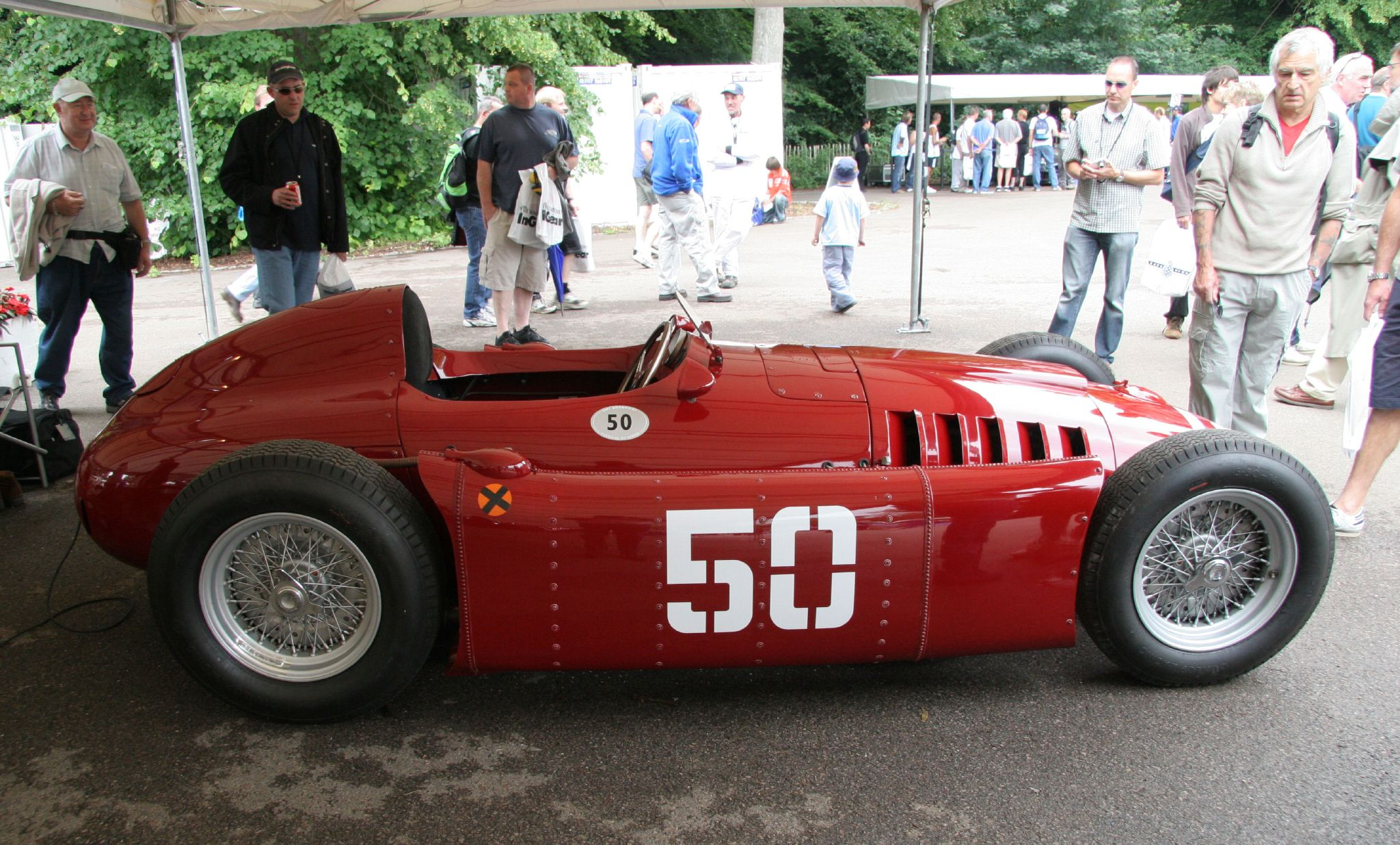 http://upload.wikimedia.org/wikipedia/commons/6/66/1954-type_Lancia_D50A_616298256.jpg