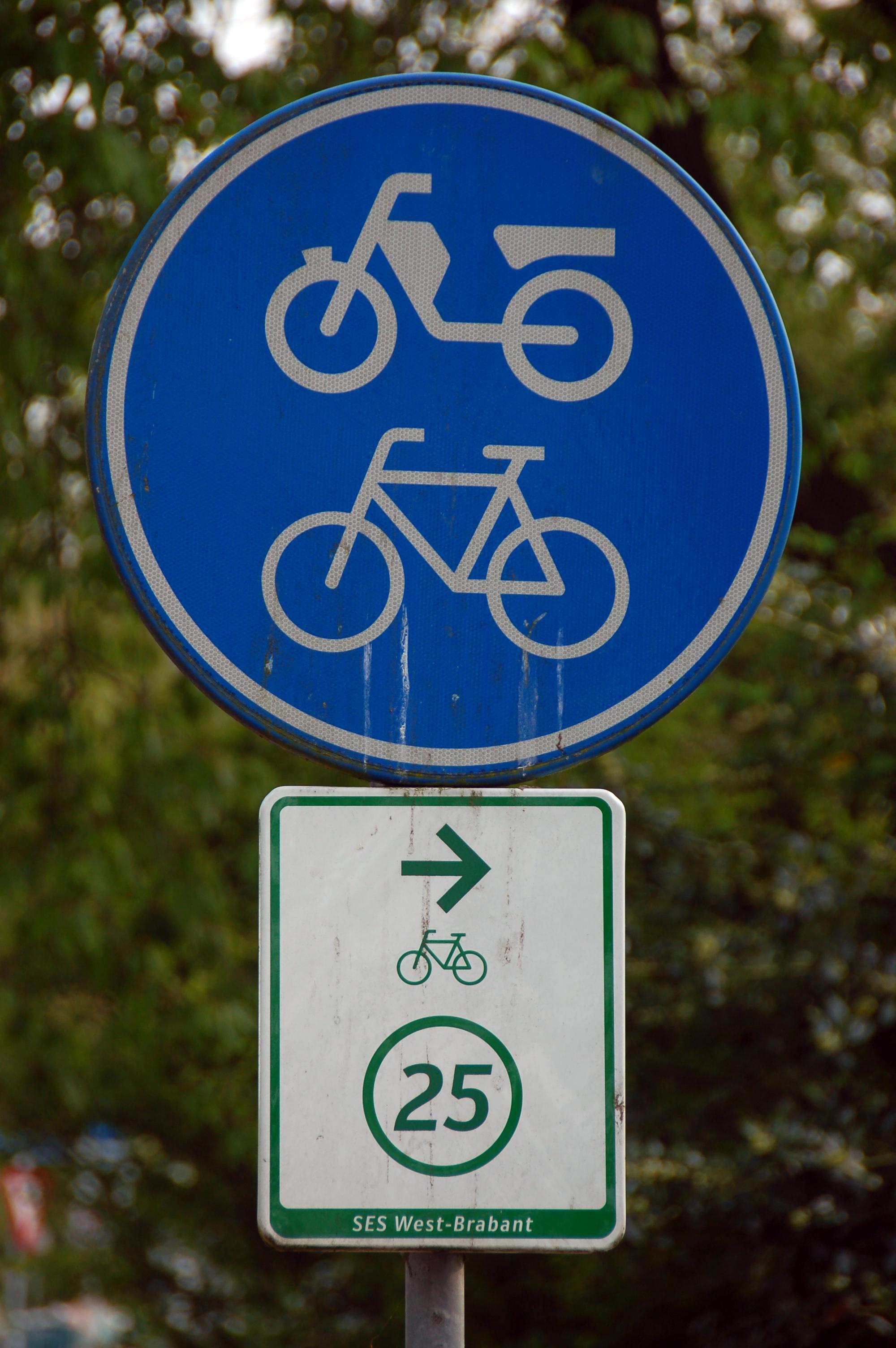 Datei:2010-05-breda-fahrradschilder-by-RalfR-12.jpg