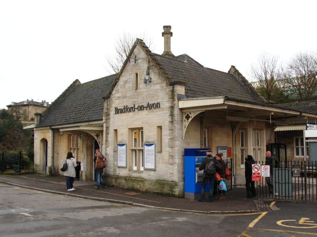 Bradford on Avon United Kingdom  city pictures gallery : ... on Avon station main building Bradford on Avon, United Kingdom