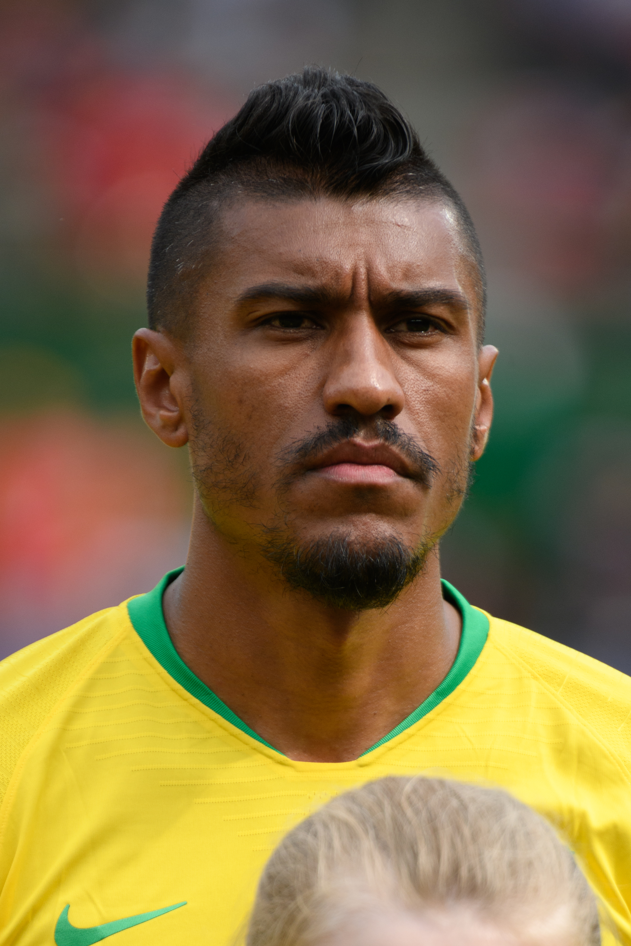 The 30-year old son of father José Paulo Bezerra Maciel and mother Erika Lima Nascimento Paulinho in 2018 photo. Paulinho earned a  million dollar salary - leaving the net worth at 4 million in 2018