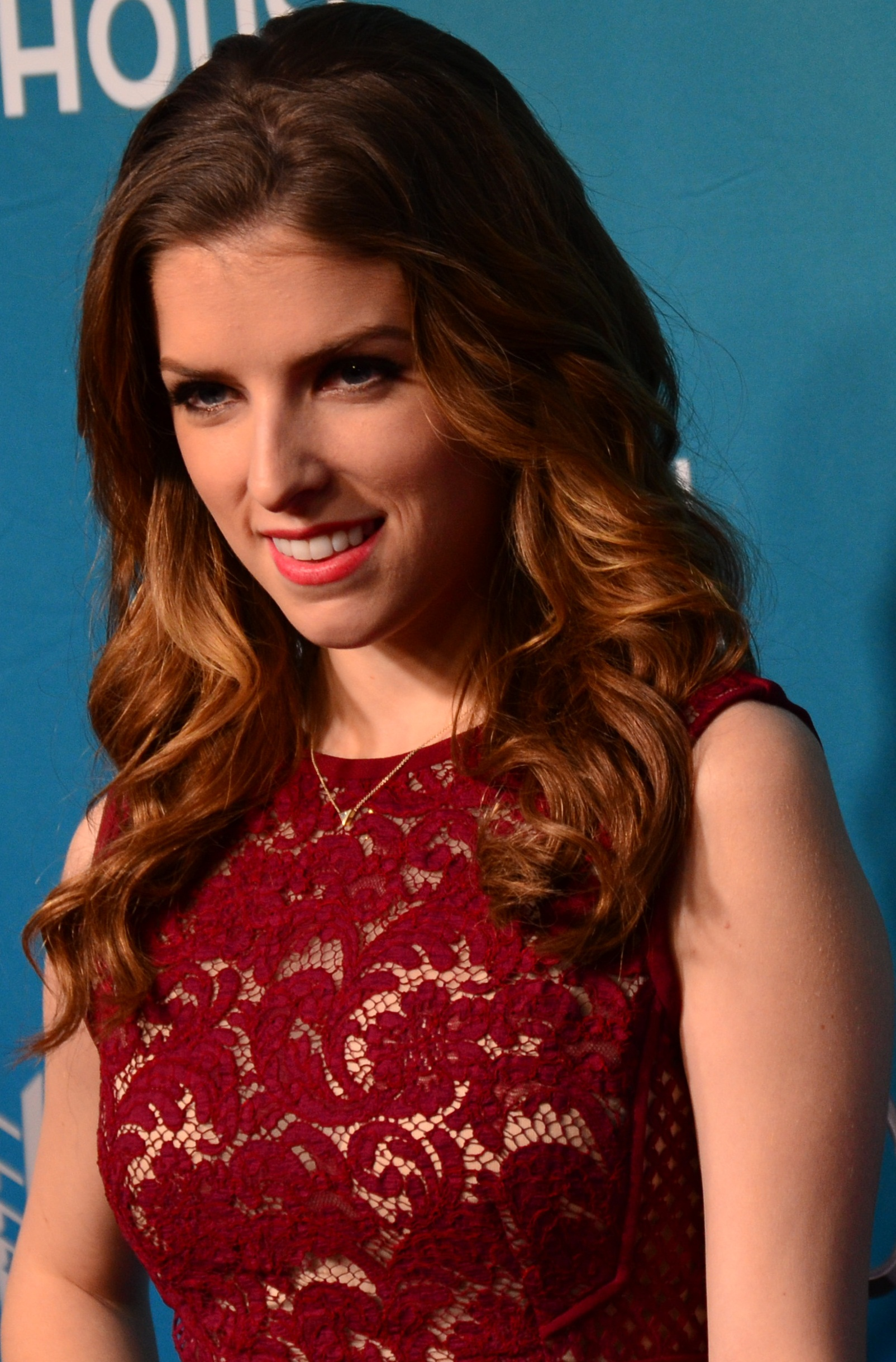 The 32-year old daughter of father William Kendrick and mother Janice Kendrick, 157 cm tall Anna Kendrick in 2018 photo