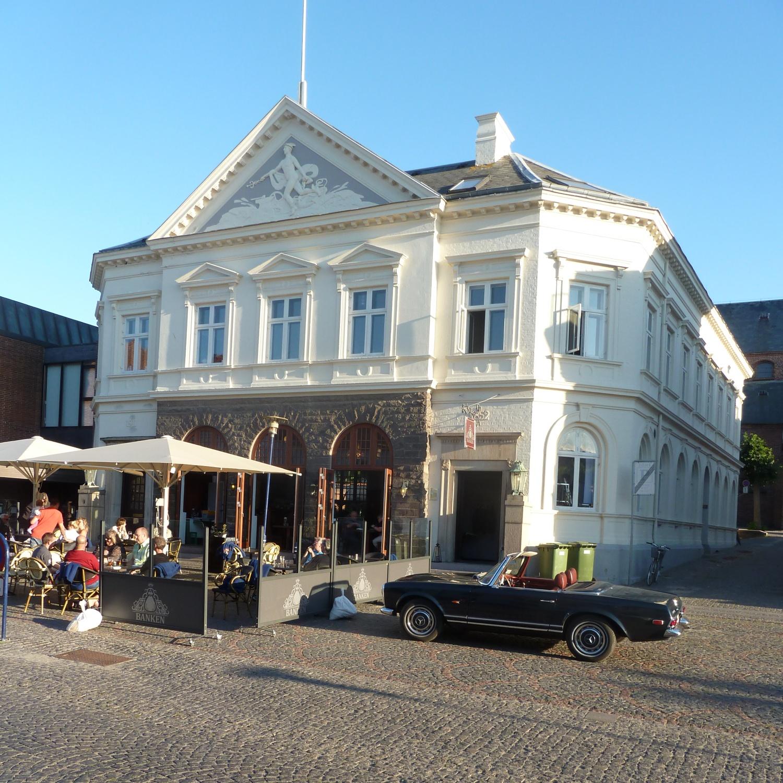 File:Assens-Banken-96.jpg - Wikimedia Commons