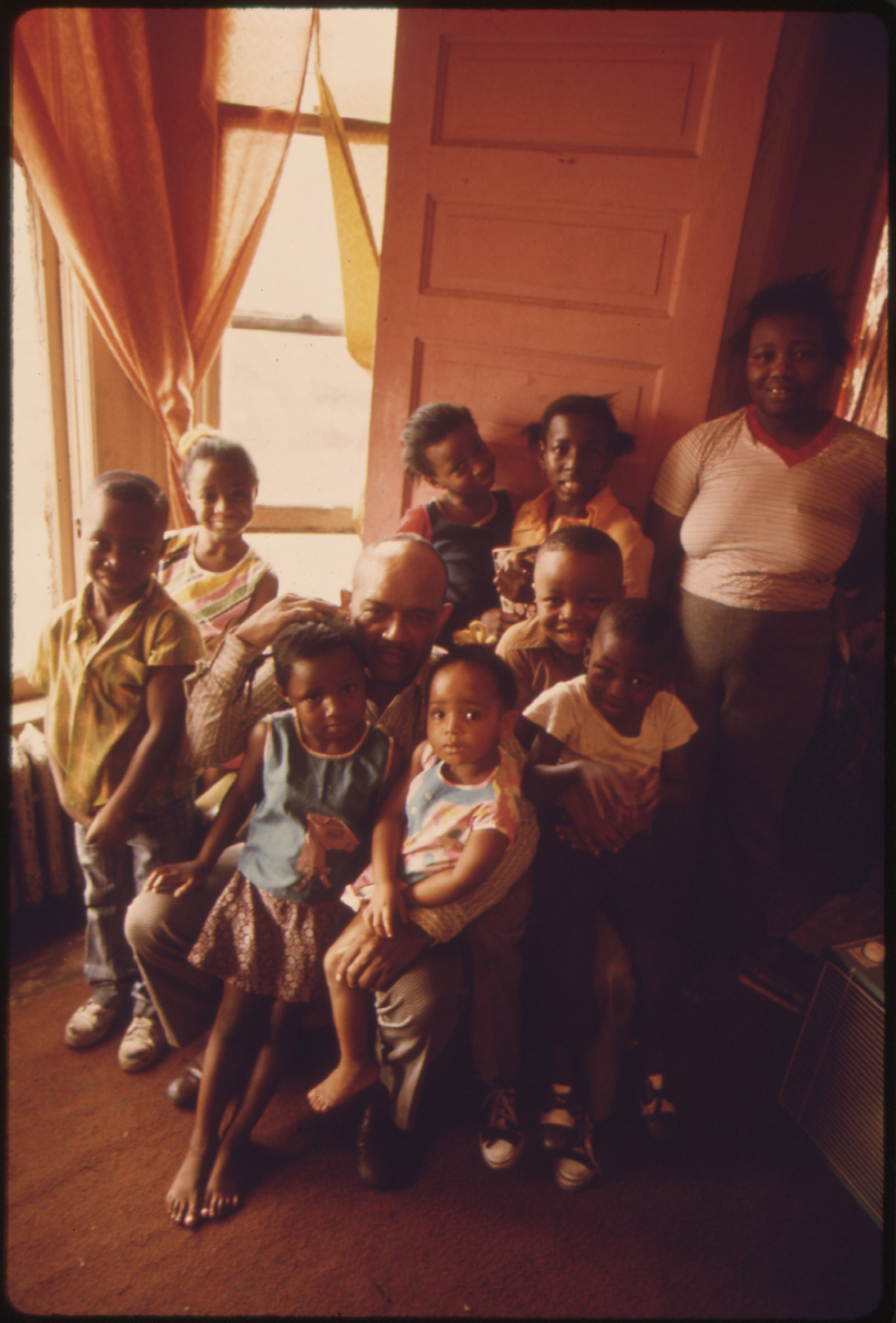 File Black Mother And Father With Their Eight Children In