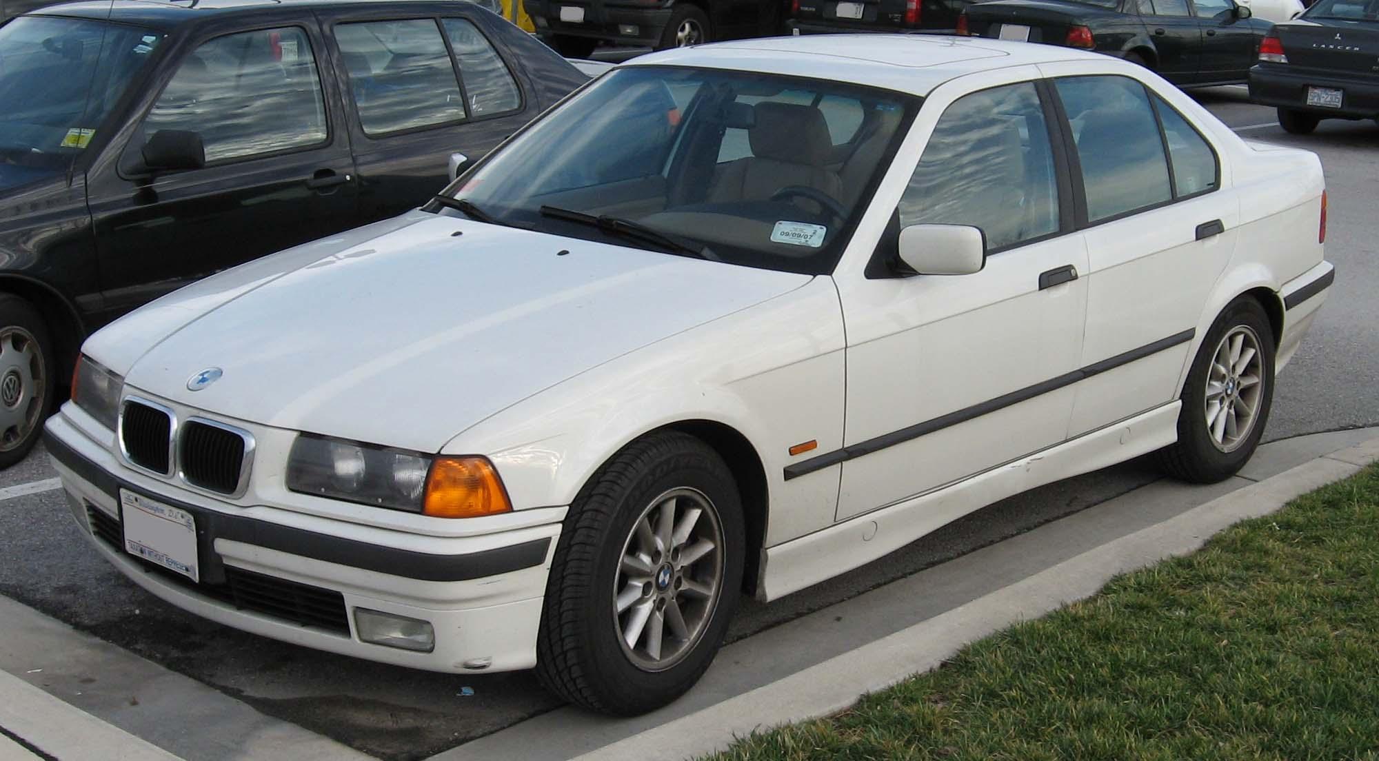 BMW rad 3 E36 – Wikipédia