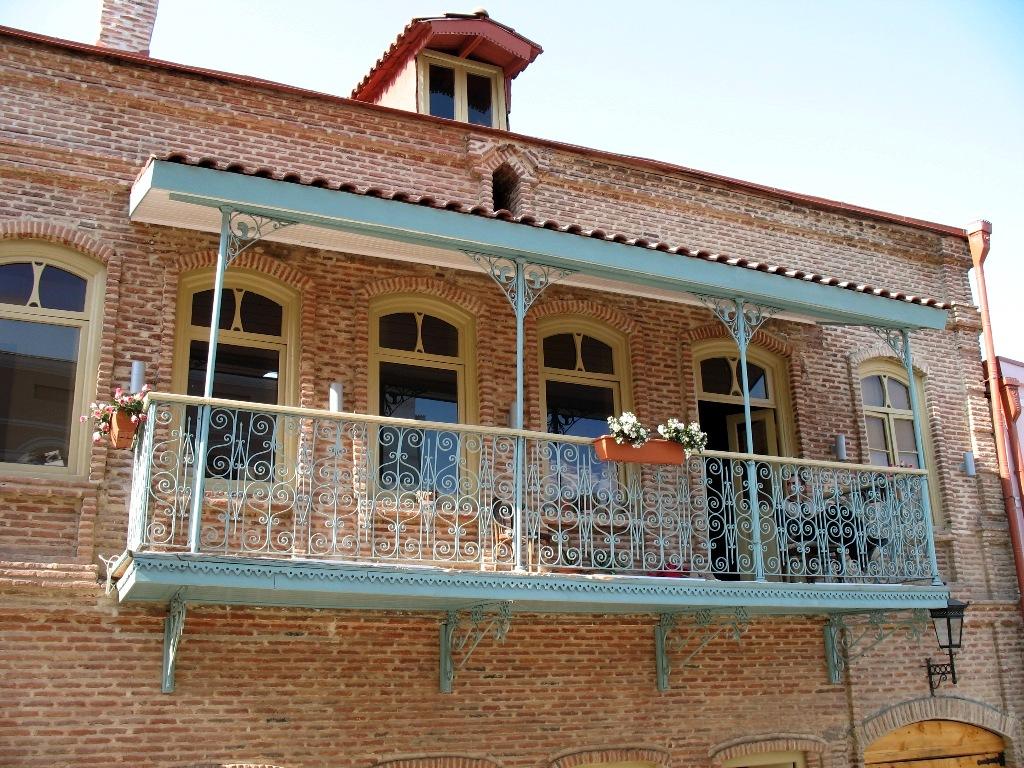 File balcone della casa di wikimedia commons for Planimetrie della casa di piantagione