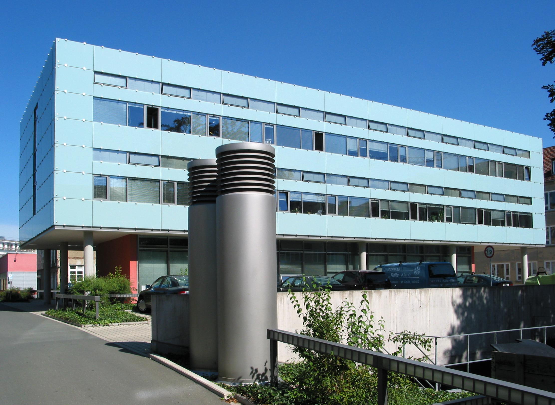 File:Bauhaus-Universität Weimar - Neubau der Fakultät ...