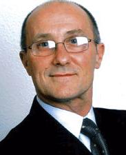Bobby Cummines OBE MUniv. FRSA