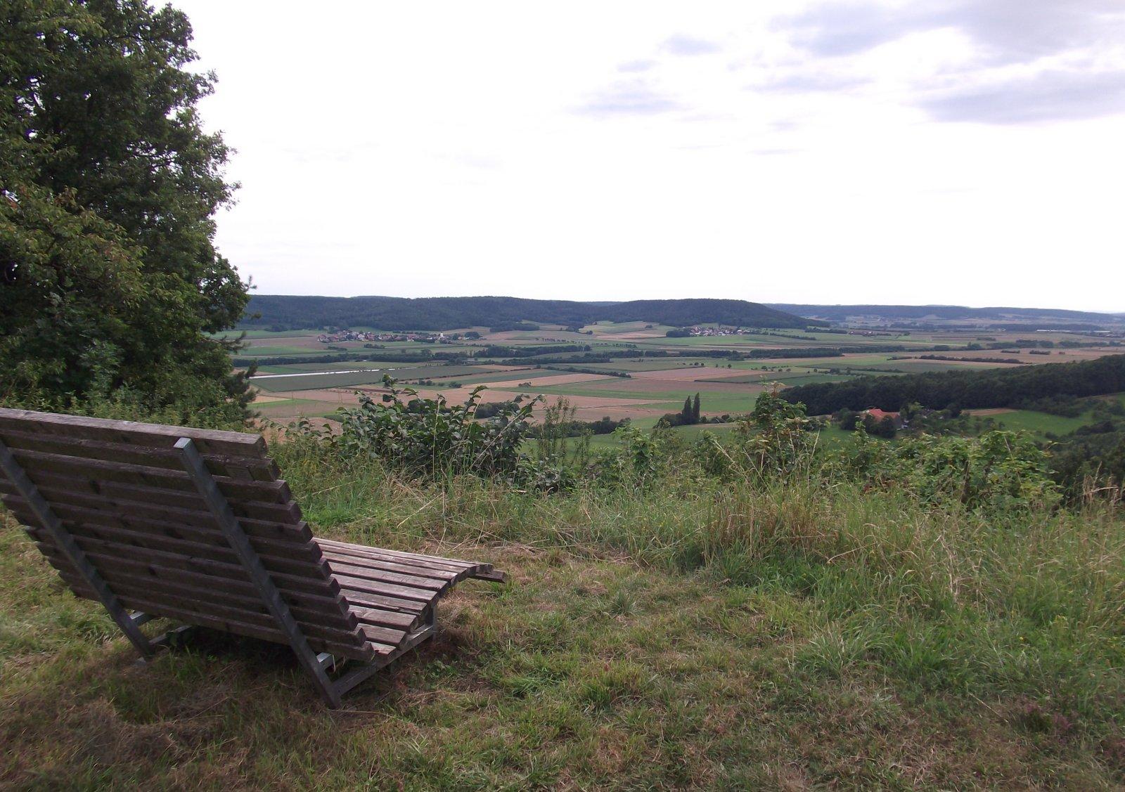File:Breite Sonnenbank mit tollem Ausblick - panoramio.jpg ...