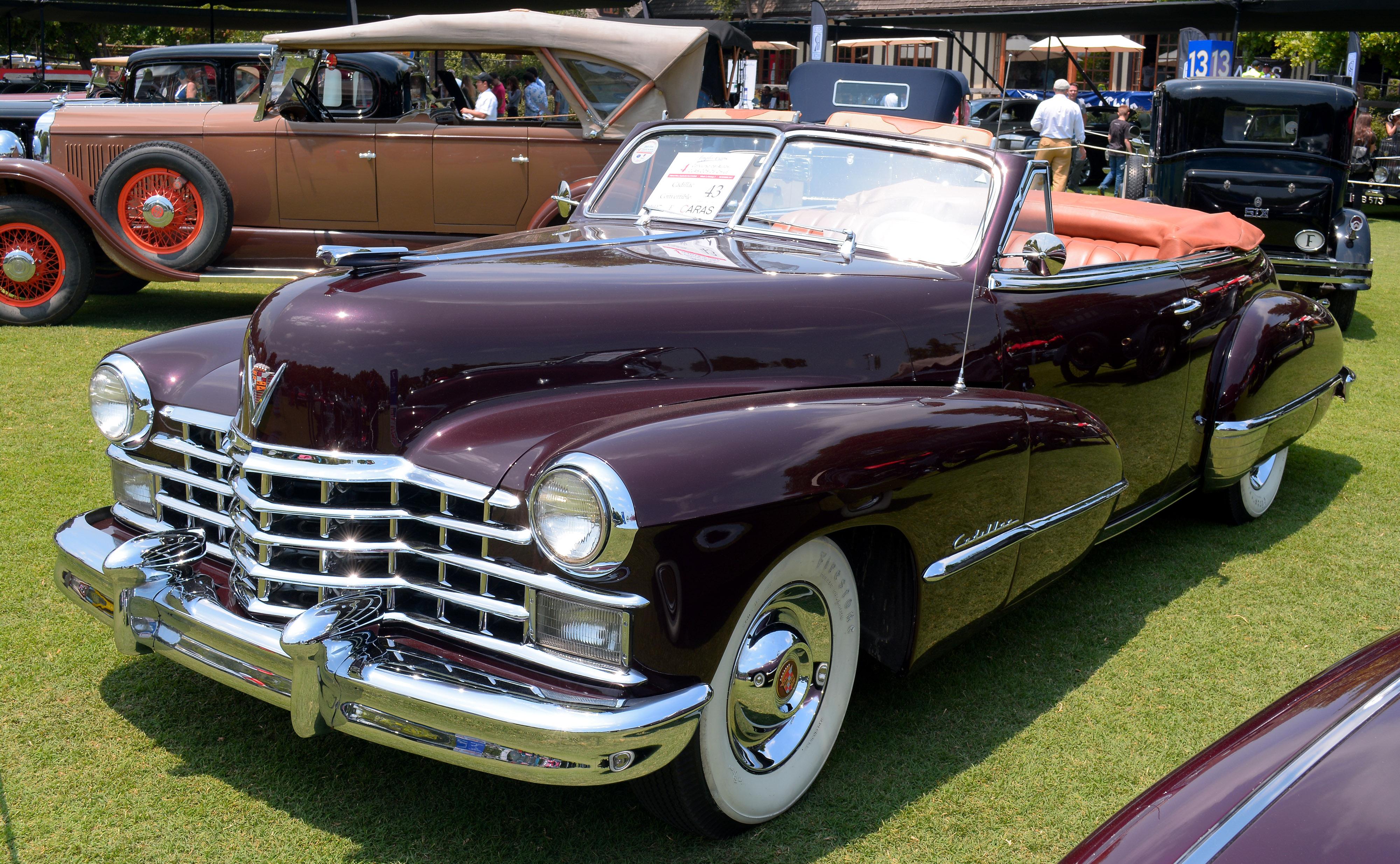 Cadillac_Series_62_Convertible_1947_(271