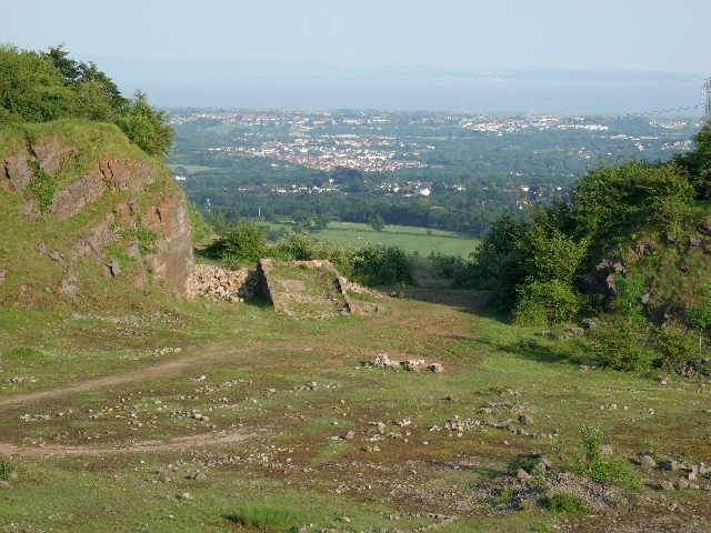 Cefn Onn Quarry, Rhymney Valley Ridgeway Footpath - geograph.org.uk - 457505