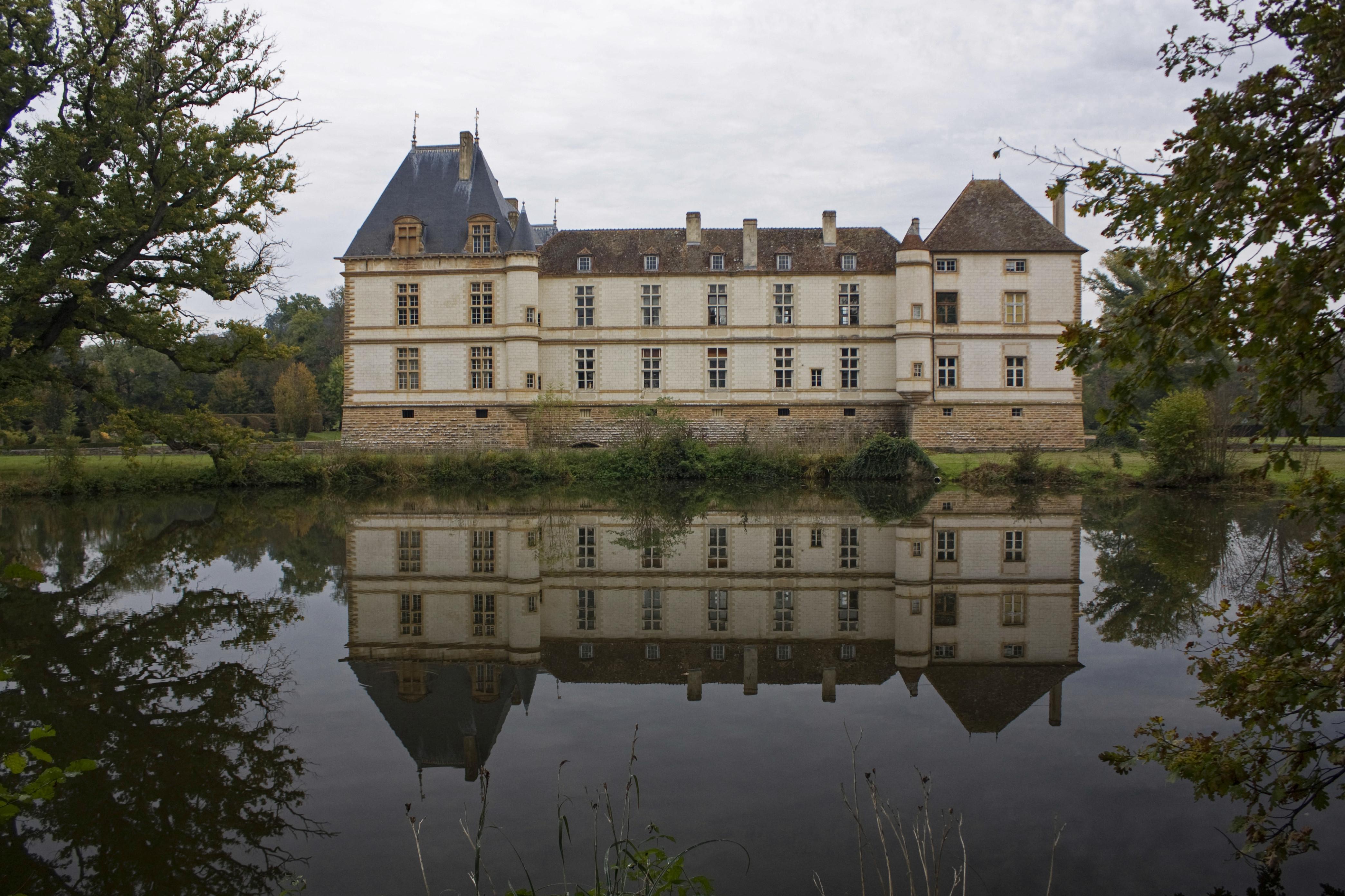 File ch teau de cormatin miroir d 39 wikimedia commons for Miroir d eau