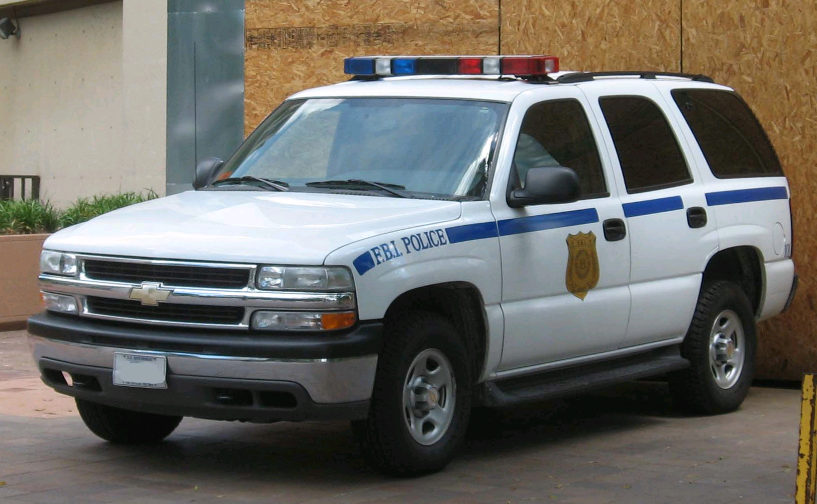 File Chevrolet Tahoe Gmt400 Police Jpg From Wikipedia
