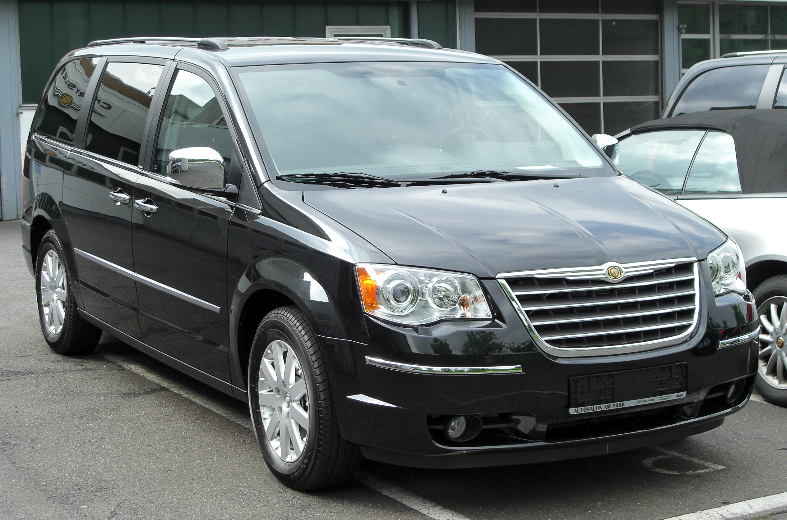file chrysler grand voyager v front wikipedia. Black Bedroom Furniture Sets. Home Design Ideas