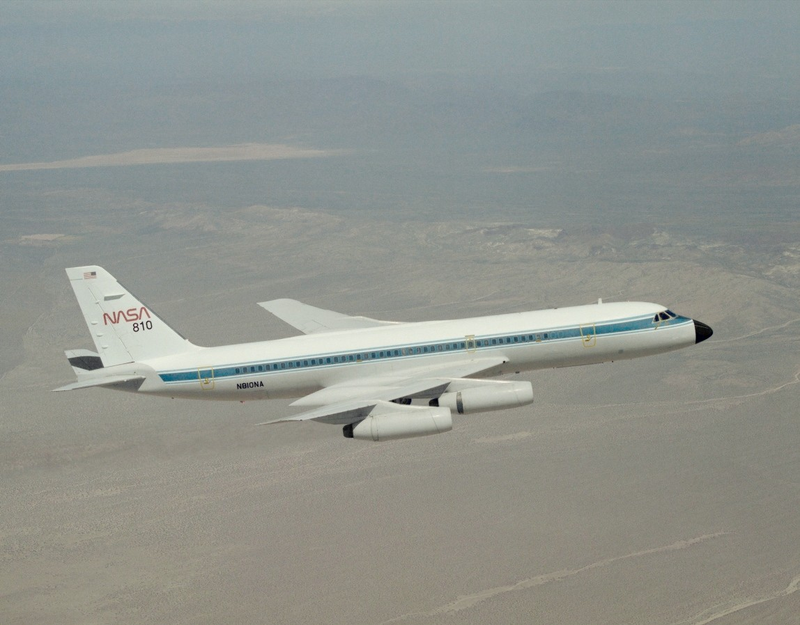 http://upload.wikimedia.org/wikipedia/commons/6/66/Convair_990_In_flight_EC93-41018-12.jpg