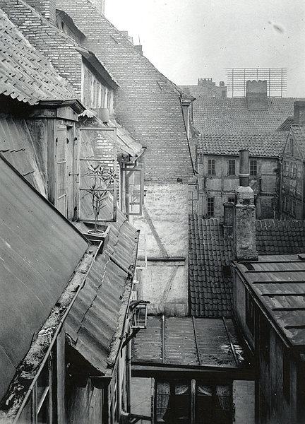 Copenhagen_slum.jpg