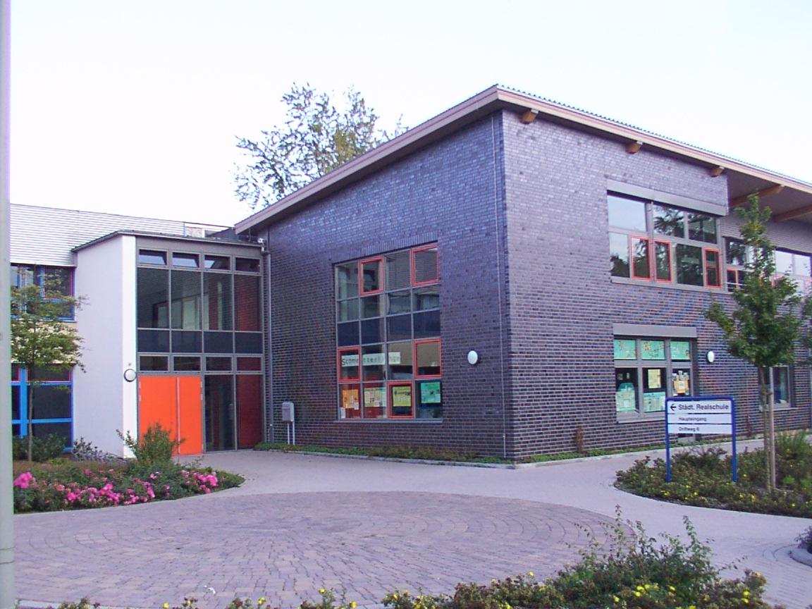 Haupteingang der städtischen Realschule in Delbrück